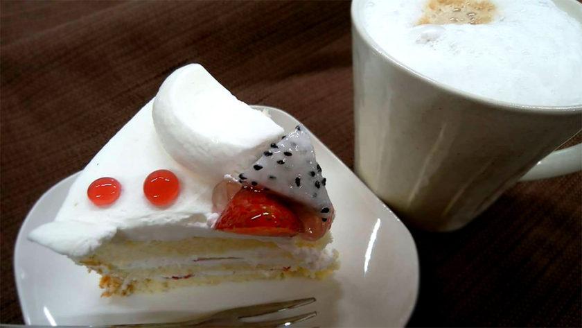ショートケーキとコーヒー